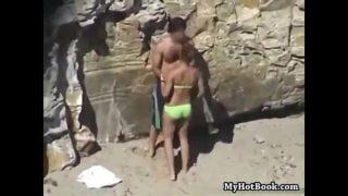 bonne baise rapide sur la plage