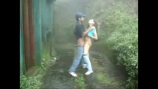 baiser sa copine dans les bois hier apres-midi