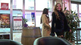 video de soeurs jumelles salopes