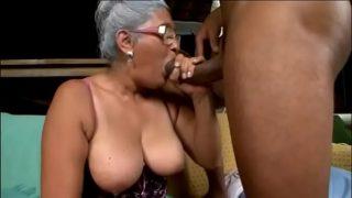 vieille cochonne brésilienne de 72 ans