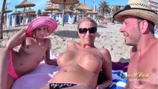 salopes à gros seins sur la plage