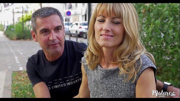 couple libertin français s'offre un gangbang