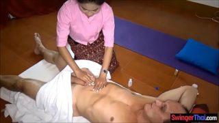 massage coquin par une thailandaise