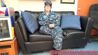 femme militaire americaine aime le sexe anal