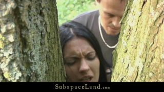 enculer sa copine contre un arbre